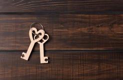 Dwa drewnianego klucza Fotografia Royalty Free