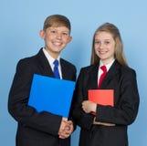 Dwa dziecko w wieku szkolnym zdjęcia royalty free