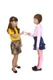 Dwa dziewczyn sztuki roshambo Zdjęcia Royalty Free