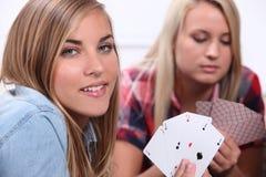 Dwa dziewczyny karta do gry Fotografia Stock