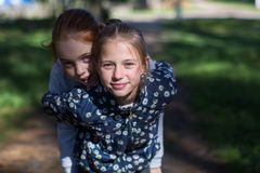 Dwa dziewczyny dziewczyny lub outdoors Fotografia Royalty Free