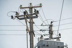 Dwa elektryczny betonowy słup Zdjęcia Royalty Free
