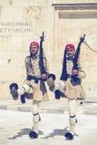 Dwa evzone strażnik z karabinem 3 Zdjęcie Royalty Free