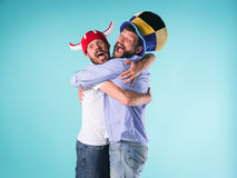Dwa Excited Męskiego przyjaciela Świętują dopatrywanie sporty Zdjęcia Stock