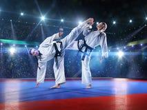 Dwa fachowego żeńskiego karate wojownika są Zdjęcie Royalty Free