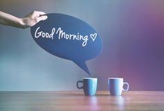 Dwa filiżanki kawy z bąbla talerzem jak dialog Zdjęcia Royalty Free