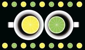 Dwa filiżanki z herbatą, cytryna i wapno Fotografia Royalty Free