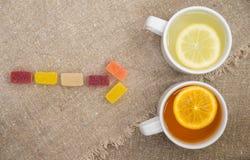 Dwa filiżanki z różnymi typ herbata Zdjęcie Royalty Free