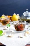 Dwa filiżanki zielenieją oolong herbaty szkło fotografia stock