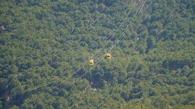 Dwa funicular furgonu chodzenia w kierunku each inny zbiory