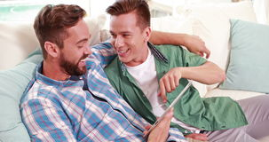 Dwa homoseksualista wpólnie w pastylce zbiory wideo