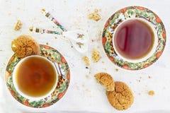 Dwa iapan stily filiżanki herbata z ciastkiem Zdjęcie Stock