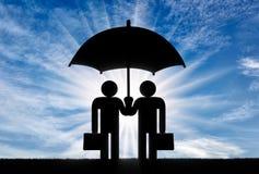 Dwa ikony mały mężczyzna stojak pod parasolem wpólnie Obrazy Stock