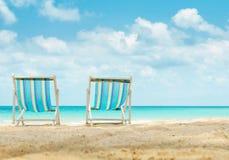 Dwa kanw plażowy łóżko na plaży Obraz Royalty Free