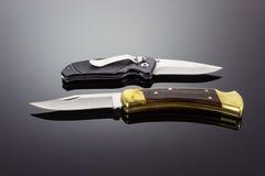 Dwa kieszeniowego knifes obraz stock