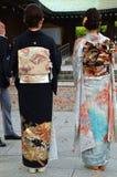 Dwa kimona różna tradycyjna suknia obrazy stock