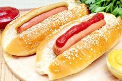 Dwa klasyków hot dog Obrazy Stock
