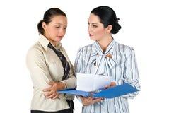 Dwa kobiet rozmowa Obrazy Royalty Free