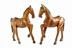 Dwa koni drewno odizolowywa na bielu Obraz Stock