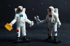 Dwa kosmonauta w przestrzeni zdjęcie royalty free