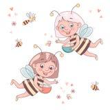 Dwa kreskówki dziewczyny śliczna uśmiechnięta pszczoła lata otacza honeybees i bumblebees ilustracja wektor