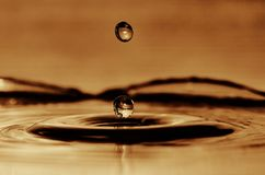 Dwa kropli woda przed wpływem Obraz Royalty Free