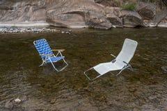 Dwa krzesła czeka ludzi Obrazy Royalty Free