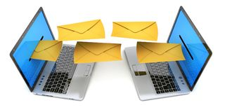 Dwa laptop i wysyła emaila list wiele fotografia royalty free