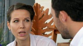Dwa ludzie biznesu dyskutuje nowego projekt w kawiarni obraz stock