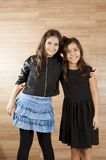 dwa młode dziewczyny Obrazy Royalty Free