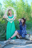 dwa młode kobiety park obraz royalty free