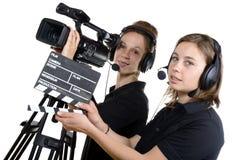 Dwa młodej kobiety z kamera wideo Zdjęcie Stock