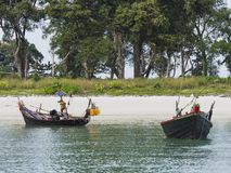 Dwa małej łódki w Południowym Myanmar Zdjęcia Royalty Free