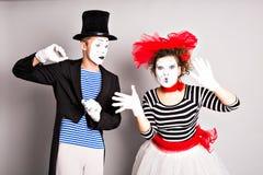 Dwa mima mężczyzna i kobieta Kwietnia durnia dnia pojęcie Zdjęcie Royalty Free