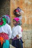 Dwa mniejszości etnicznej kobieta przy starym Dong Van rynkiem Obrazy Royalty Free