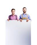 Dwa modnisia mężczyzna w tradycyjnym bavarian odziewają, studio strzał Obraz Royalty Free