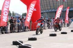 Dwa motocyklisty na śladzie Fotografia Royalty Free