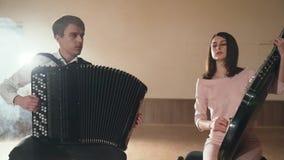 Dwa muzyka bawić się czarnego bandura instrument i akordeon zbiory wideo