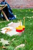 Dwa napoju i dwa kanapki Przekąska dla dwa ludzi Obrazy Stock