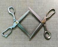 dwa nożyce dla tkaniny fotografia stock