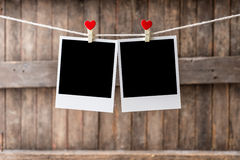 Dwa obrazka ramy Stary obwieszenie na clothesline Fotografia Stock
