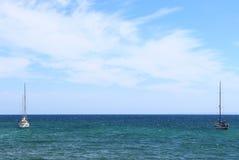 Dwa łodzi w oceanie Obrazy Royalty Free