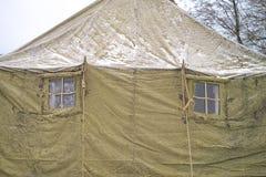 Dwa okno wojskowego namiotu zima, śnieg, las fotografia royalty free