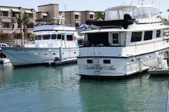 Dwa orka Zbyt i salutu cent Anni jacht - Fotografia Royalty Free