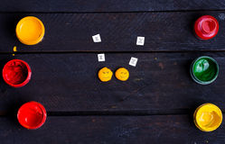Dwa otoczaka uśmiechu z farbą Zdjęcie Stock