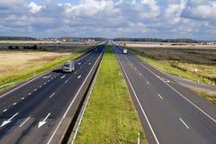 Dwa pasów ruchu autostrada obrazy royalty free