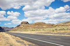 Dwa pasów ruchu autostrada w Środkowym Waszyngton Fotografia Stock