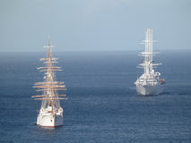 Dwa pasażerskiego statku w admiralici zatoce. Zdjęcia Royalty Free