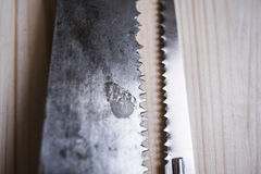 Dwa piły na drewno deski stole Obraz Stock