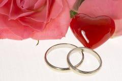 Obrączki ślubne zdjęcia stock
